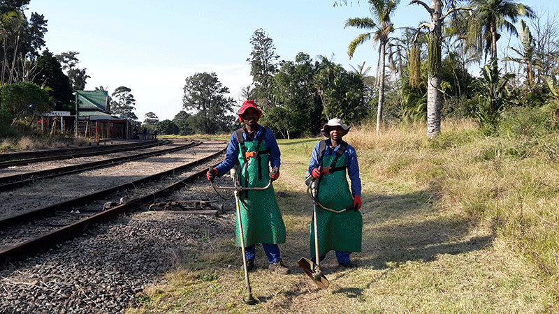20180727-Vukani-Thokozane-rail-reserve-maintenance-(1)